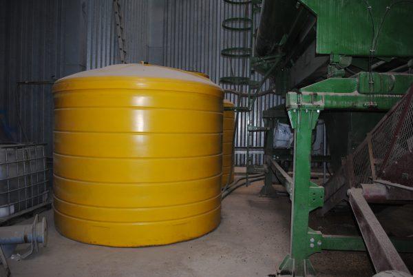 Bulk storage tank, animal feed.